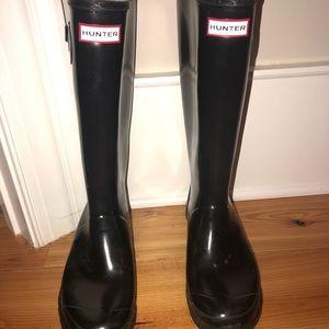HUNTER Tall Rain Boots~ Almost new Size 8M&9F